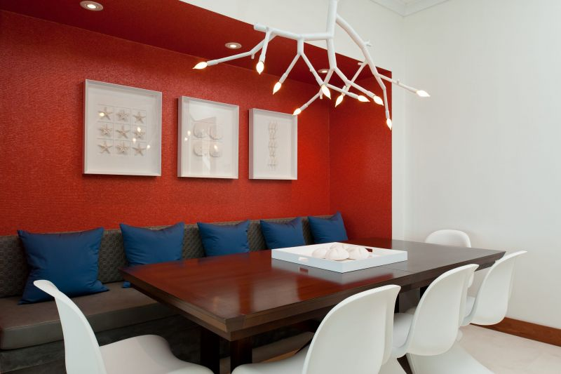 dining-room-in-red-colors-photo-02