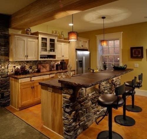 фото интерьер кухни с островом кухонный остров в коттеджах и