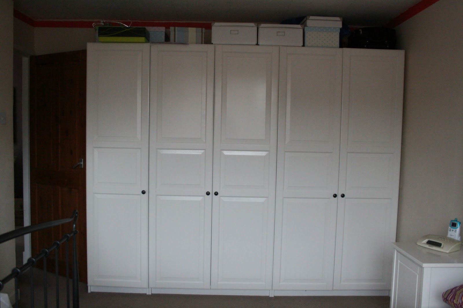 20110218-wardrobes-before-ikea-pax-1