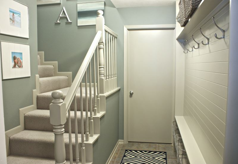 turn-a-narrow-hallway-into-a-mudroom-the-creativity-exchange2
