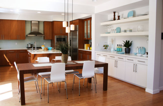 Beautiful sunny kitchen and dining room