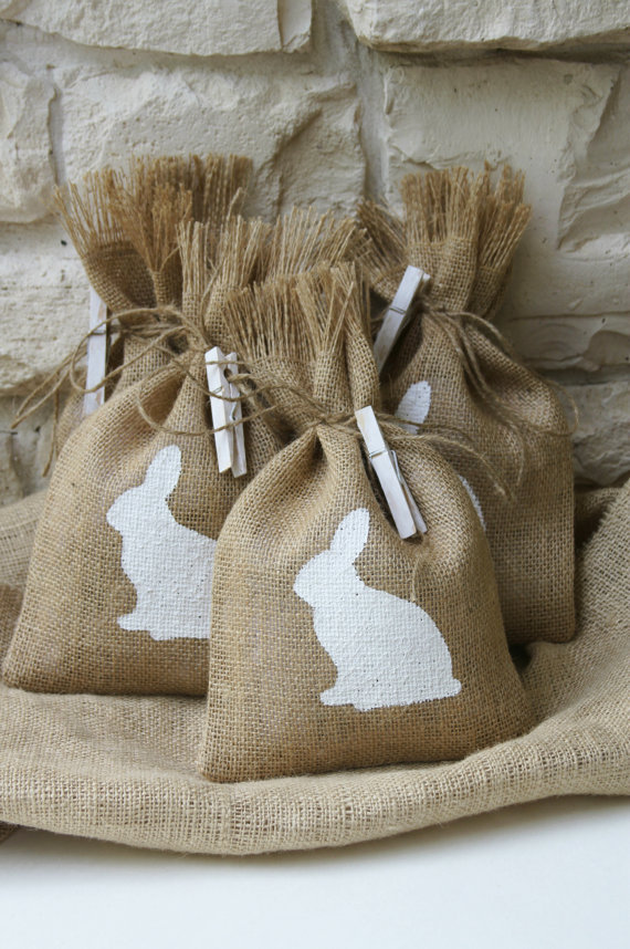 Burlap Gift Bags or Treat Bags, Easter, Baby Shower, Birthday Party, Shabby Chic Gift Wrapping, Set of Four.